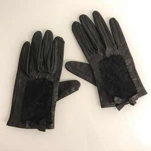 Black Genuine Leather and Lace Short Gloves